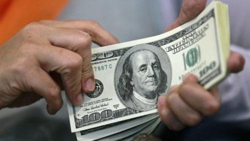 الدولار يرتفع لأعلى مستوى في 2018